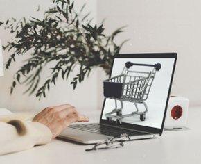 Уйти в онлайн: 4 курса, на которых тебя научат зарабатывать на своём сайте