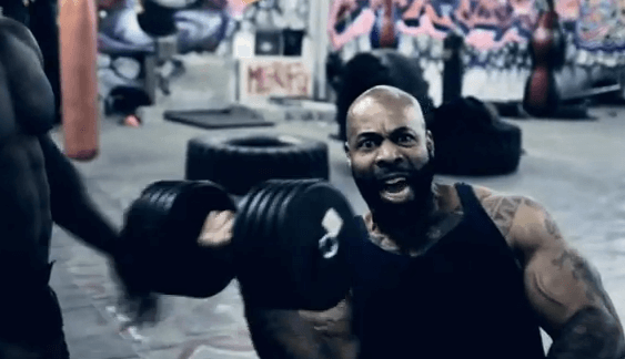 тренировки в спортзале для наращивания мышц, фото brodude.ru