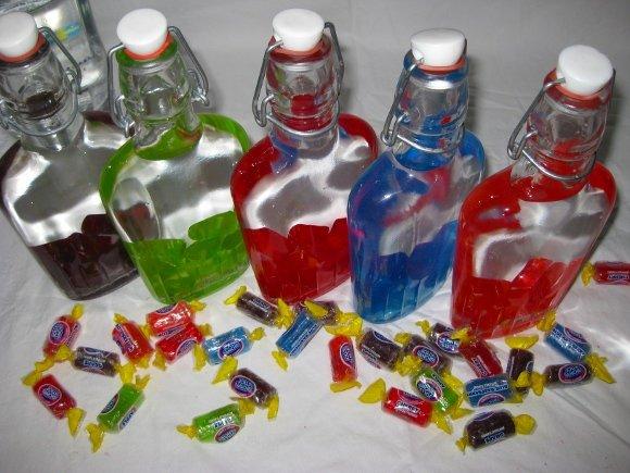 конфеты в бутылках